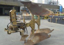 aratro-ugo-moro-m-11-vib-spostamento-idraulico-a-confine-per-hp-140-150-hp-4