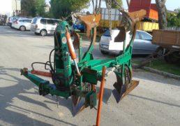 aratro-bivomere-pietro-moro-mod-europa-serie-16-ali-a-strisce-spostamento-idraulico-per-la-finitura-a-confine-per-trattore-100-130-hp
