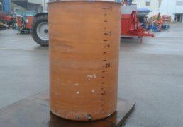 Cisterna semprepieno in vetroresina Lt 2000 a fondo piano con rubinetto. Assaggiavino. Coperchio Con Camera d'aria. Trapiede sotto-2